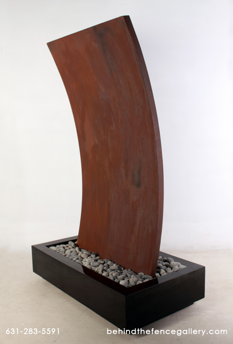 Curved Fountain - Rusty / Fiberglass