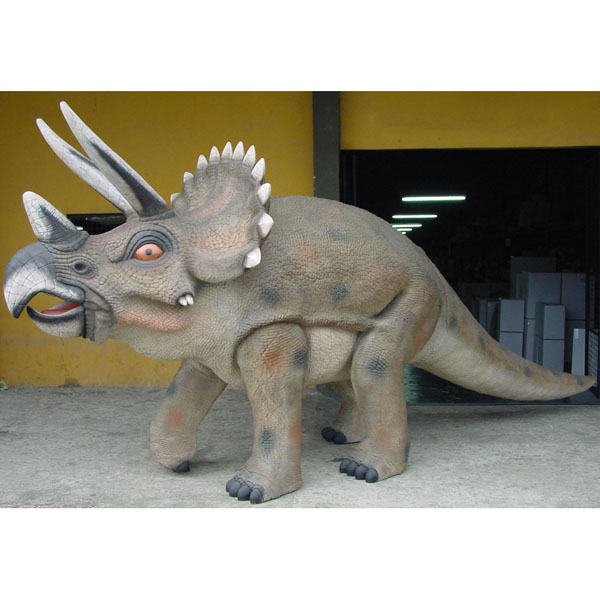 Triceratops 7 Ft.