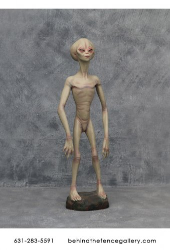 Alien Encounter Statue - 4.5 ft.